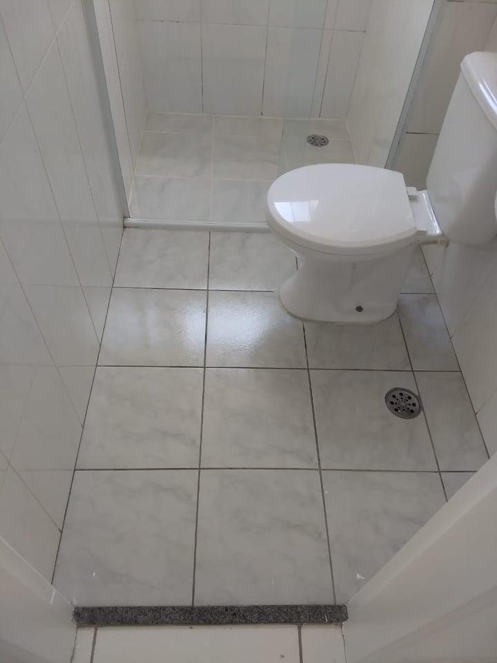 Resina Epóxi Infiltração em Banheiro